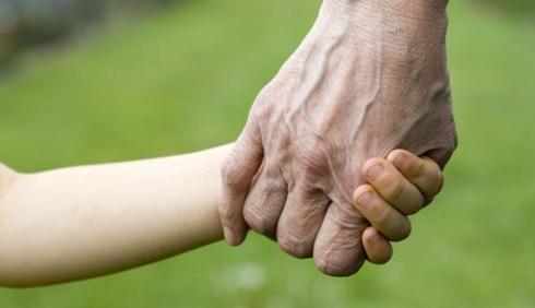 Nonni sitter e altri incentivi per le donne che lavorano