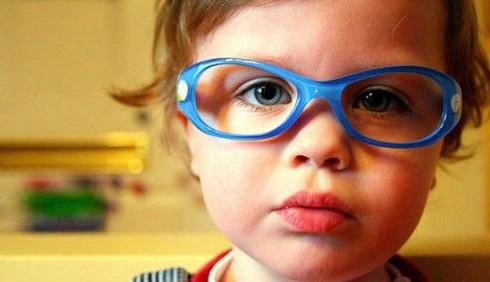 Proteggere occhi e vista dei bambini, consigli