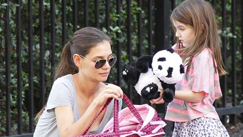Katie Holmes strapperà Suri da Tom Cruise e Scientology?