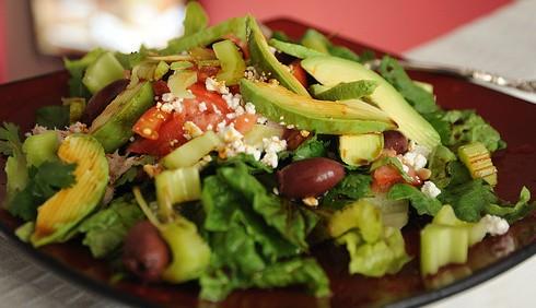 Ricette di insalate salutari: il condimento ideale