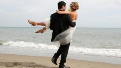 Matrimonio Spiaggia Uomo : Matrimonio low cost in spiaggia diredonna
