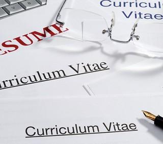 Curriculum vitae: mentire o no?