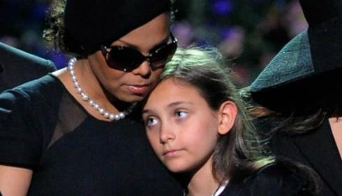 Janet Jackson schiaffeggia i figli di Michael?