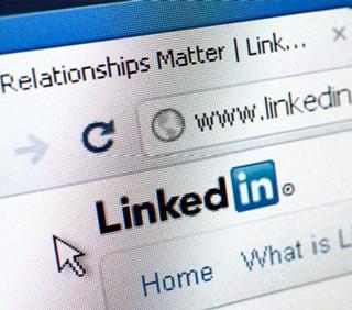 LinkedIn per trovare lavoro: 10 parole da evitare nel profilo