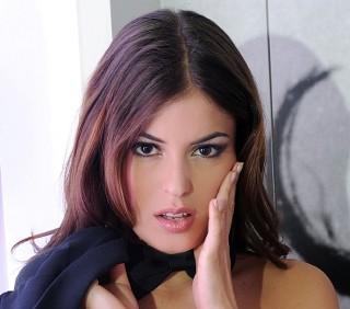 Sara Tommasi davvero drogata nel porno? Indagano Le Iene