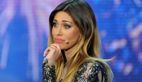 Belen Rodriguez terrorizzata dai fan di Emma Marrone