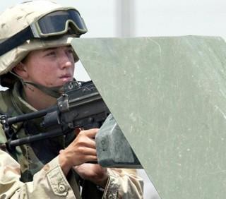 Soldatessa partorisce in Afghanistan, ignara di essere incinta