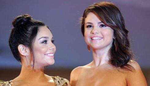 Vanessa Hudgens e Selena Gomez, droga e sesso a Venezia