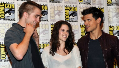 Taylor Lautner difende Kristen Stewart