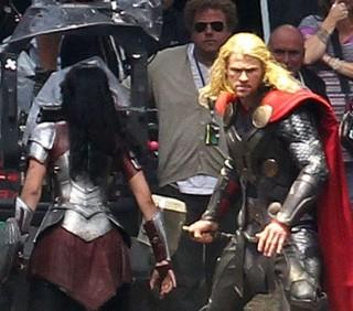 Thor: The Dark World, prime foto di Chris Hemsworth