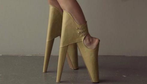 Leanie Van Der Vyver: Scary Beautiful, le scarpe più stravaganti