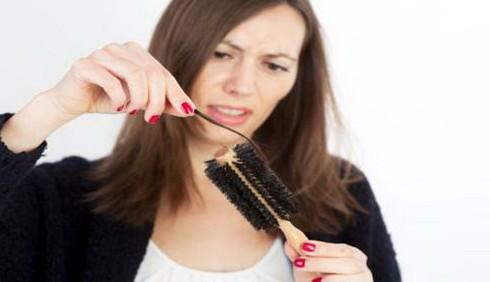 Come contrastare la caduta dei capelli in autunno