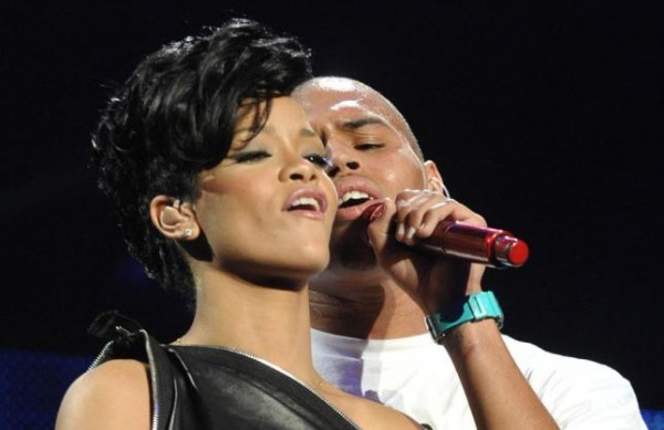 Rihanna intima con la mamma di Chris Brown