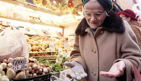 Crisi: casalinghe e pensionati nuovi poveri