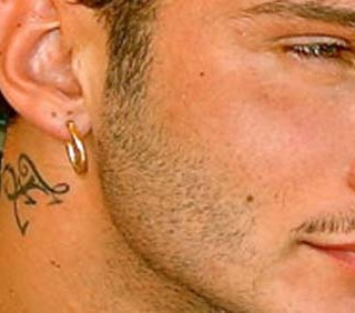 Belen Rodriguez esige che Stefano De Martino tolga il tatuaggio di Emma