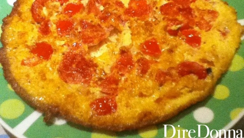 Ricetta della frittata tonno e pomodori diredonna - Cucinare tonno fresco in padella ...