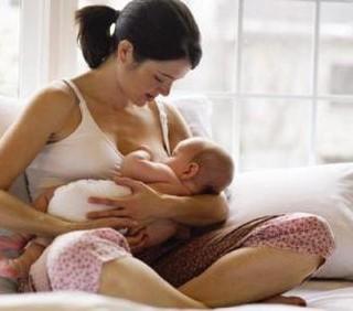 Dieta dimagrante e ossessioni alimentari: dipende dalla mamma?