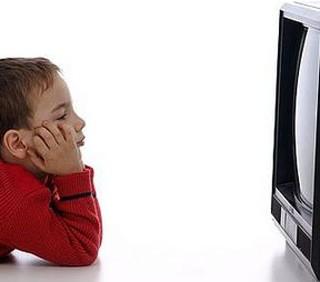 Il decalogo etico per proteggere i minori dai media