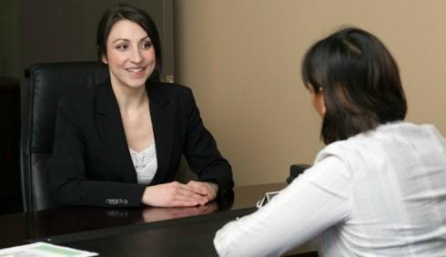 Mentire nel colloquio di lavoro: quando è concesso?