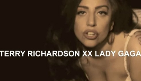 Lady Gaga sexy in Cake per Terry Richardson