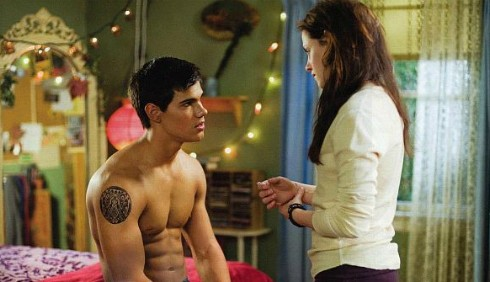 Breaking Dawn Parte 2: Kristen Stewart ama Jacob nudo