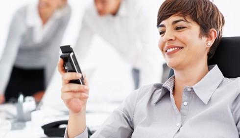 Smartphone dipendenti? Si lavora di più