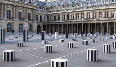 Louis Vuitton sceglie modelle gemelle per la nuova campagna
