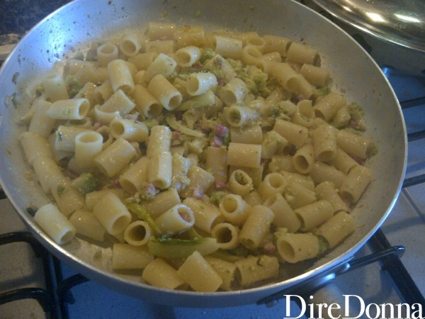Pasta in padella con broccolo