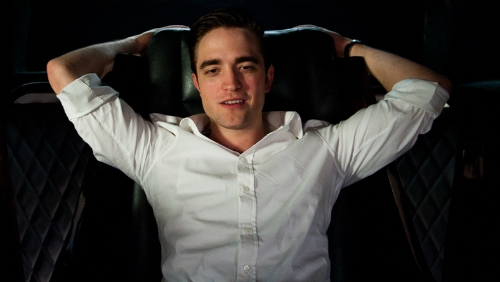 Robert Pattinson corteggiato dai registi hard