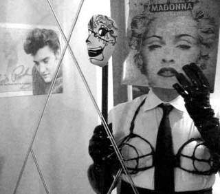 Da Madonna a Giampaolo Morelli, creatività in foto