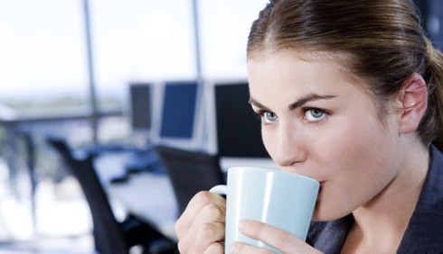 Pausa caffè vietata a inizio turno: indecorosa