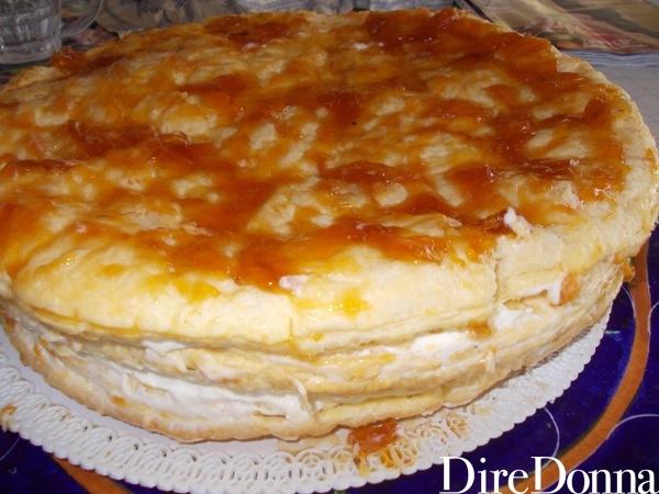 Pasta sfoglia ripiena e con marmellata