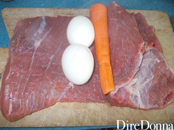 Carne stesa con uova e carota
