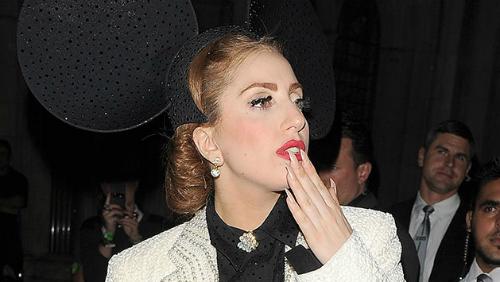 Lady Gaga si è operata e ringrazia i fan