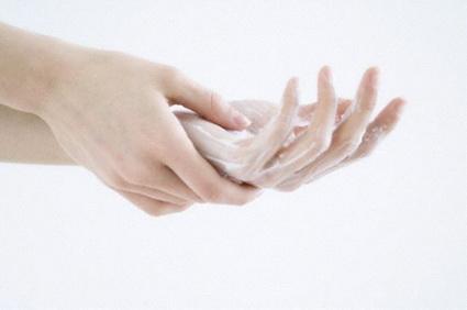 Come prendersi cura della salute delle mani in inverno