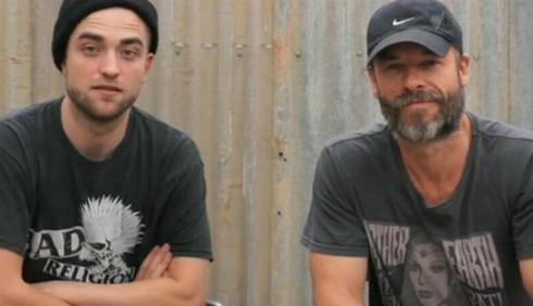 Robert Pattinson felice senza Kristen Stewart