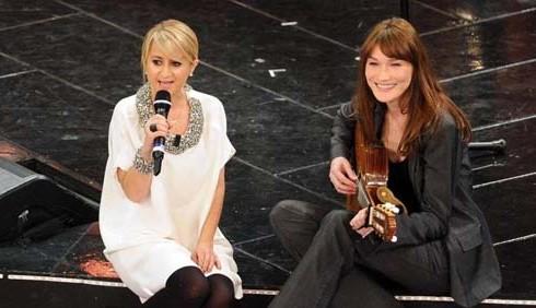 Sanremo 2013, Modugno e Bar Refaeli nella seconda serata