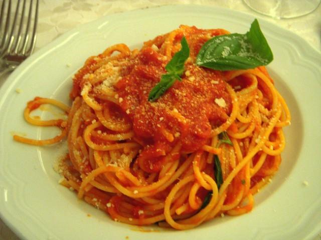 Halloween ricette per cucinare spaghetti al sugo di for Cucinare qualcosa di veloce