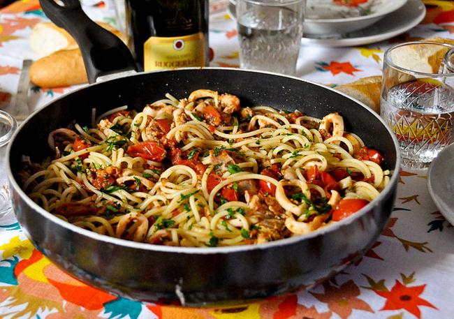 Halloween ricette per cucinare spaghetti allo scoglio - Consigli per cucinare ...