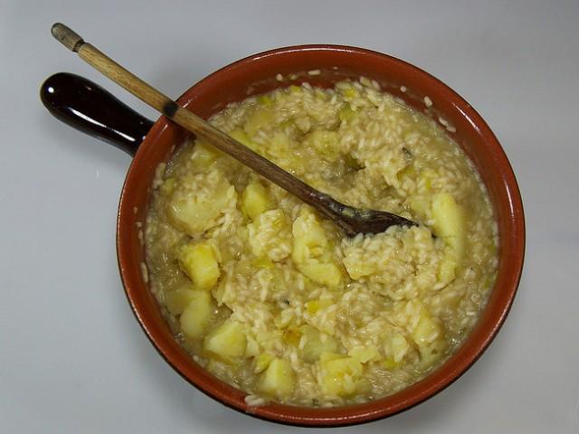 Risotto integrale alla rucola e primo sale la ricetta for Cucinare risotto