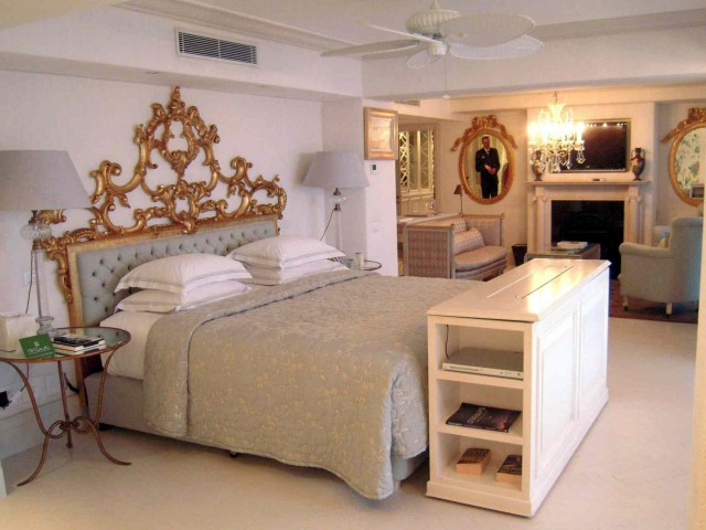 Camera da letto classica: lo stile che non tramonta mai  DireDonna