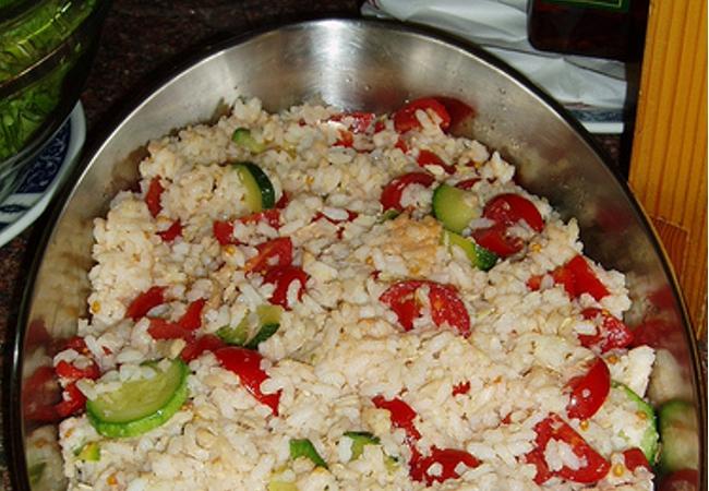 Cucinare d 39 estate insalata di riso con la peperonata for Cucinare estate