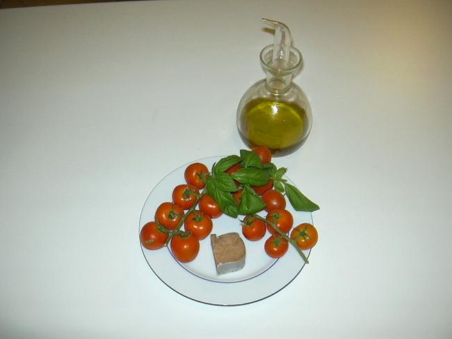 Cucinare d 39 estate i sughi velocissimi per condire la for Cucinare estate