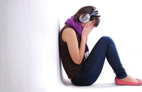 Depressione in adolescenza: i sintomi per riconoscerla e le cure