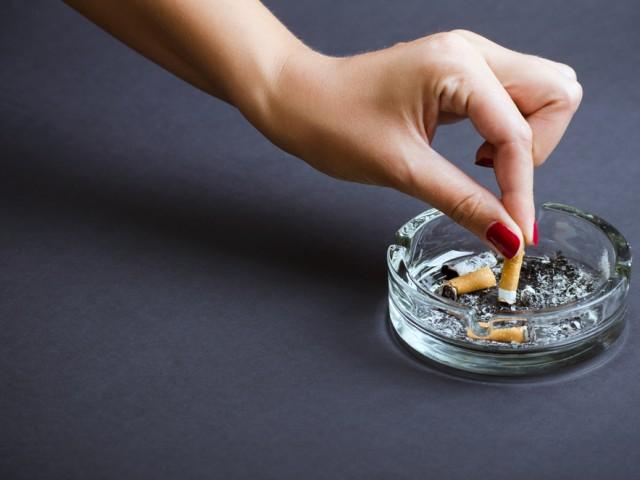 Come eliminare l 39 odore di fumo in casa diredonna - Odore di fogna in casa ...