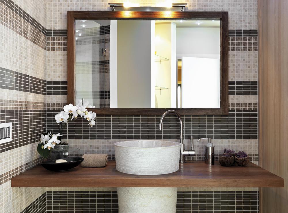 Specchi per il bagno come sceglierli diredonna - Idee tende bagno ...