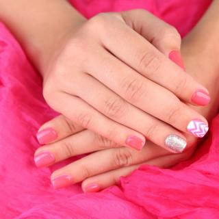 Decorazioni unghie fai da te: idee e disegni