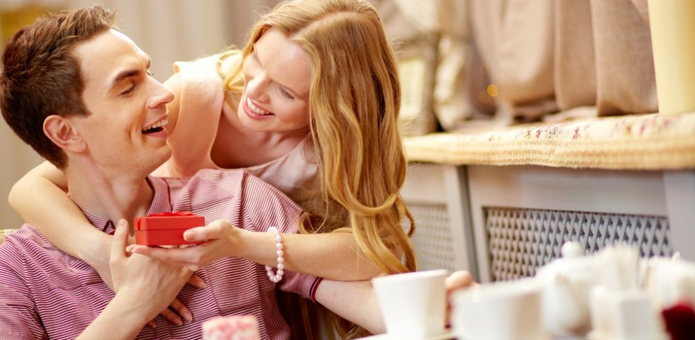 Preferenza Sorprese per lui: 10 idee romantiche | DireDonna LZ61