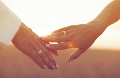 Anniversario di matrimonio: 10 idee per festeggiarlo