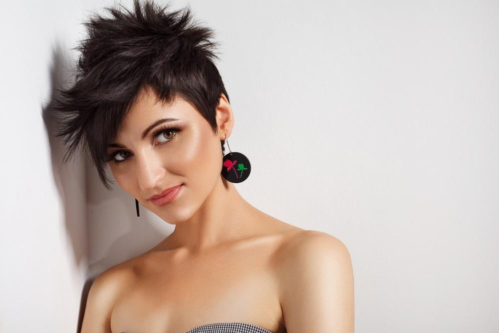 Viso tondo e capelli: quale taglie scegliere? | DireDonna